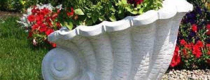 Декоративные вазы в дизайне участка: правила составления композиций + мастер-классы