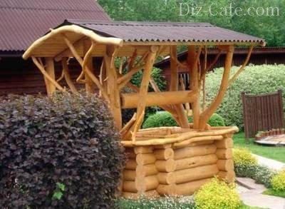 Чаще всего дачи строят компактными, из цельного дерева или разных типов бруса