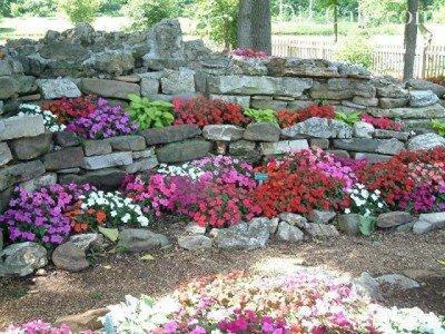 Альпинарий каменная изгородь