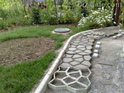 Дорожка, изготовленная с помощью формы