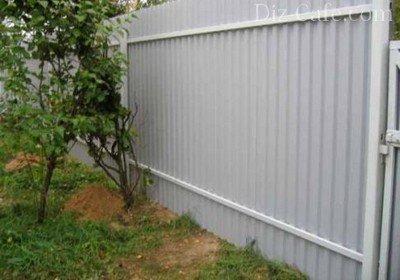 Надежная защита металлических заборов