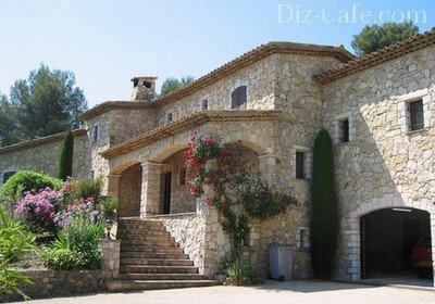 Красивый и надежный каменный дом