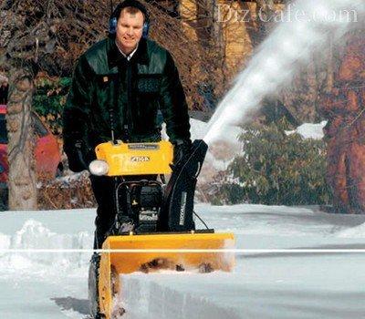 Самоходная бензиновая снегоуборочная техника