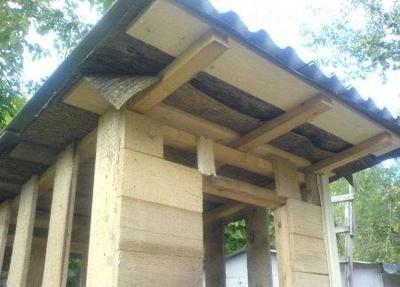 Устройство крыши и обшивка стен дачного туалета