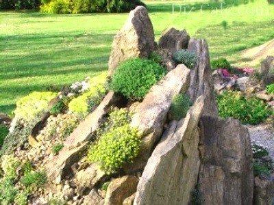 Вертикальная укладка камня для чешской скалки