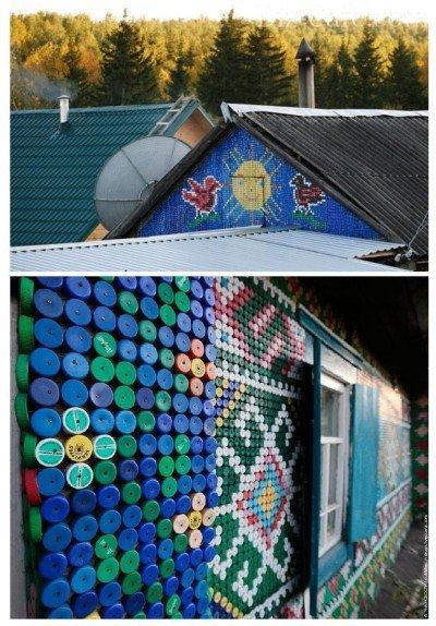 Декор фасада дома из пластиковых крышек