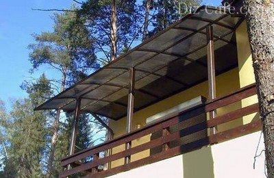 Затеняющий навес над балконом