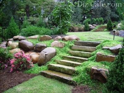 Каменные глыбы в дизайне участка