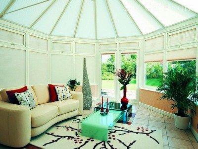 Рулонные шторы для защиты от палящего солнца