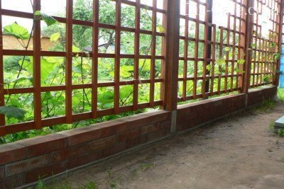 Подпорная стенка из кирпича