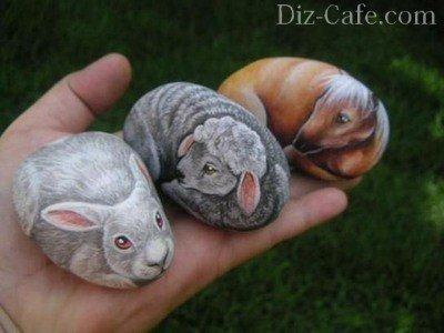 Животные на камне