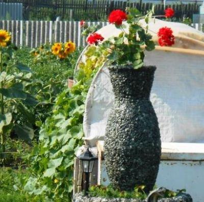 ваза из щебня