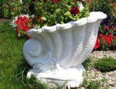 Декоративные вазы в дизайне участка: особенности композиции и мастер-класс по созданию своими руками