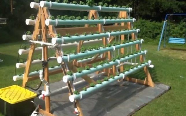 Горизонтальная конструкция из труб ПВХ