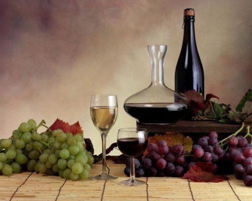 Натюрморт с виноградным домашним вином