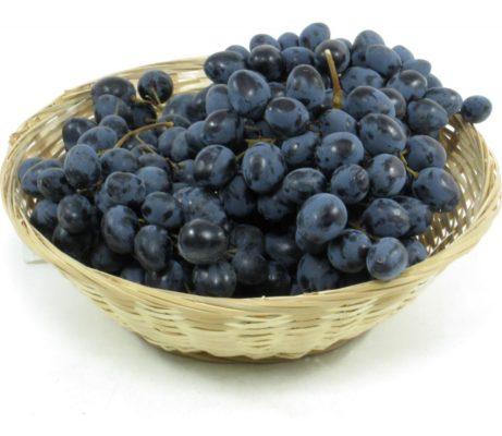 Виноград в миске