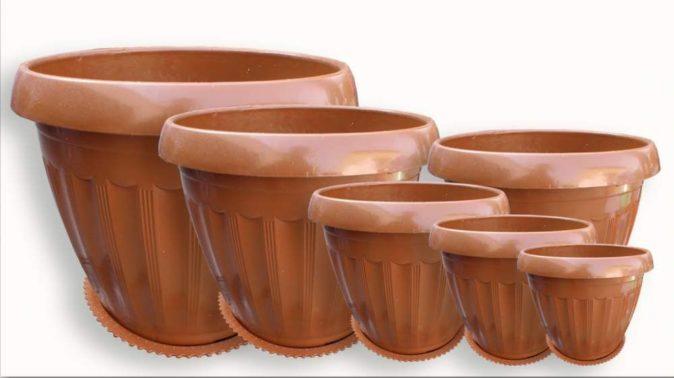 Пластмассовые горшки для растений