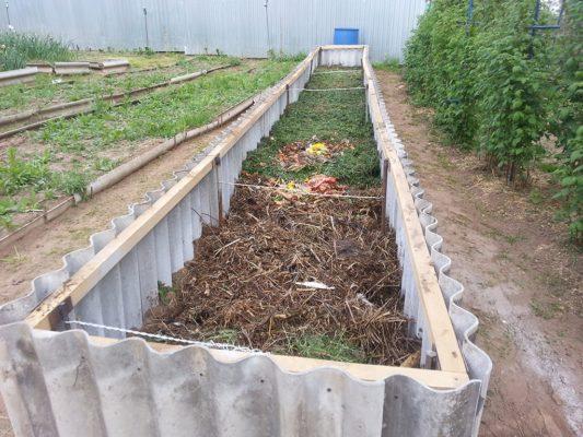 Укладывание слоя органических отходов
