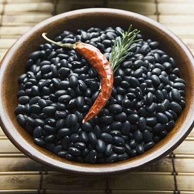Зёрна чёрной фасоли